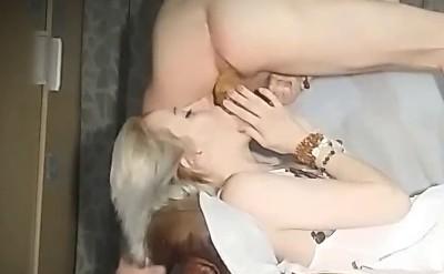 Leszbikus kakas pornó